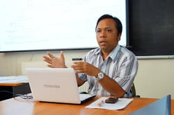 Visiting PhD student I Wayan Budiarta (Udayana University, Bali) speaks at the CRLD seminar series.