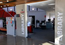 Image of Shepparton library front entrance